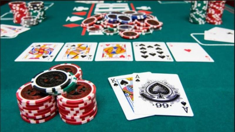5 Cara Mudah Meningkatkan Permainan Texas Hold'Em Poker Anda
